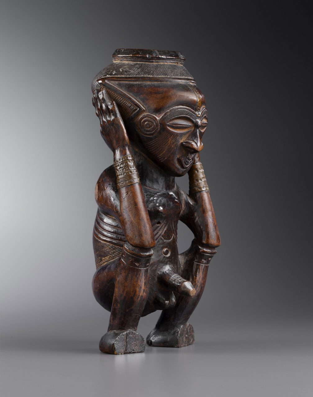 anthropomorphic cup kuba front